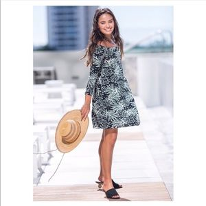 NWOT Ava Sky Fighting Eel Pineapple Dress M